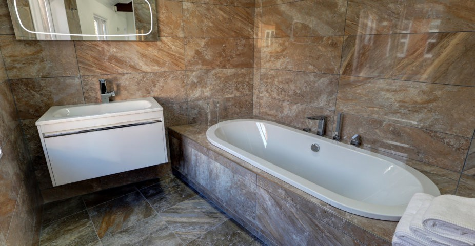 plug and chain bathroom design and installation taunton